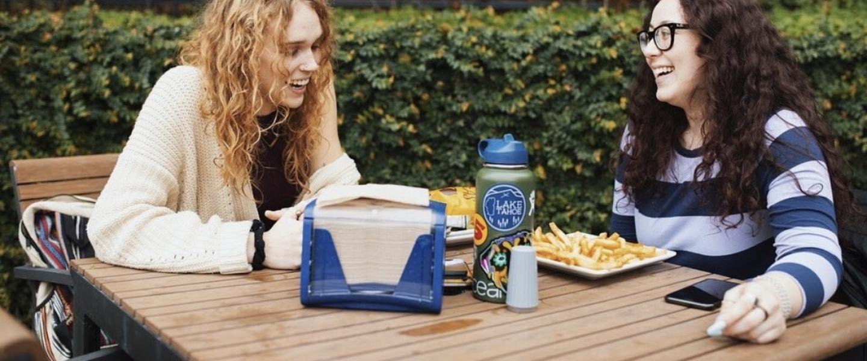 students eating at lobos
